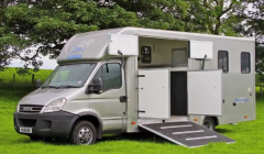 Hanson Duo HorseBox